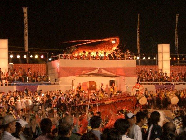 横浜開港祭花火の穴場スポット2019や場所取りのベストは?