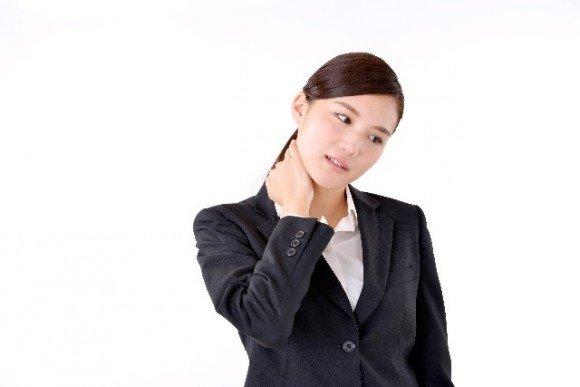 首こり解消法【頭痛や吐き気】ストレッチやツボは効果的か?