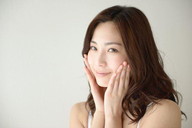 顔コリのほぐし方と解消法【マッサージやツボ】で小顔に!