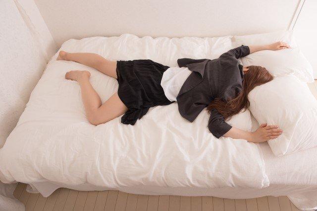 バンザイ寝は病気のサイン?その原因と対策や解消方法!